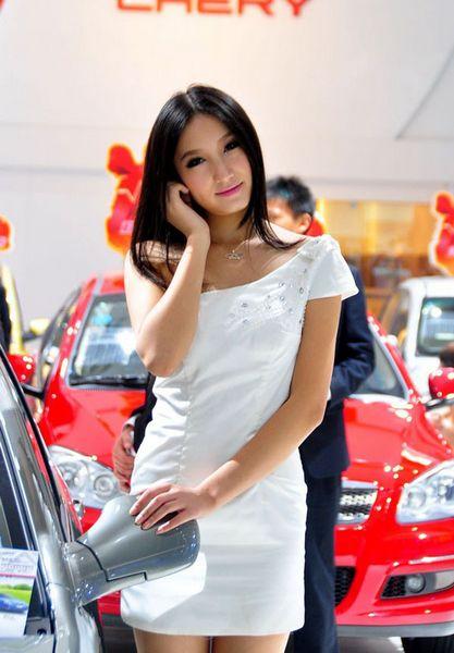 2010广州车展 车模美女
